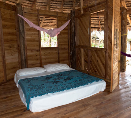 Tawan bar bungalows tropical paradise for Beach hut style interiors