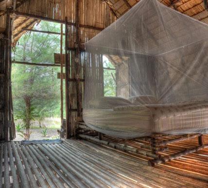 Mr chuoi 39 s thailand beach huts bar tropical paradise for Beach hut designs interior